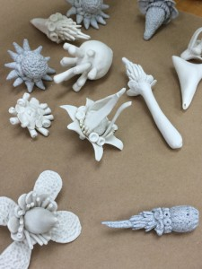 Eva Champagne's Little Porcelain Sculptures