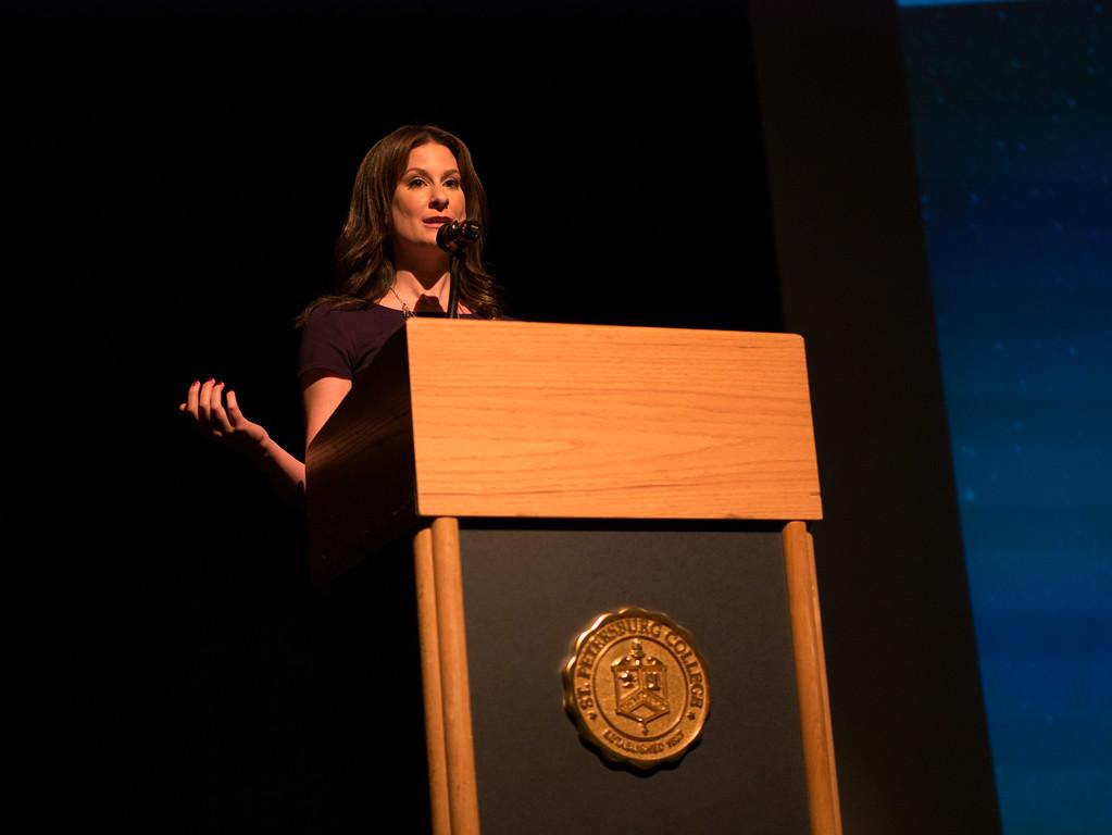 FOX 13 Meteorologist Lindsay Milbourne
