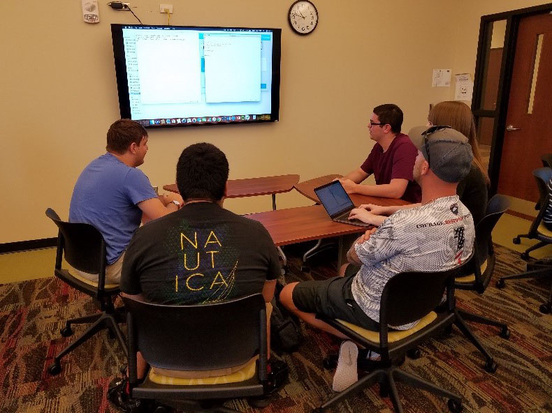 SPC students practice mob programming